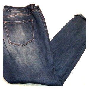 Distressed Refuge skinny jeans